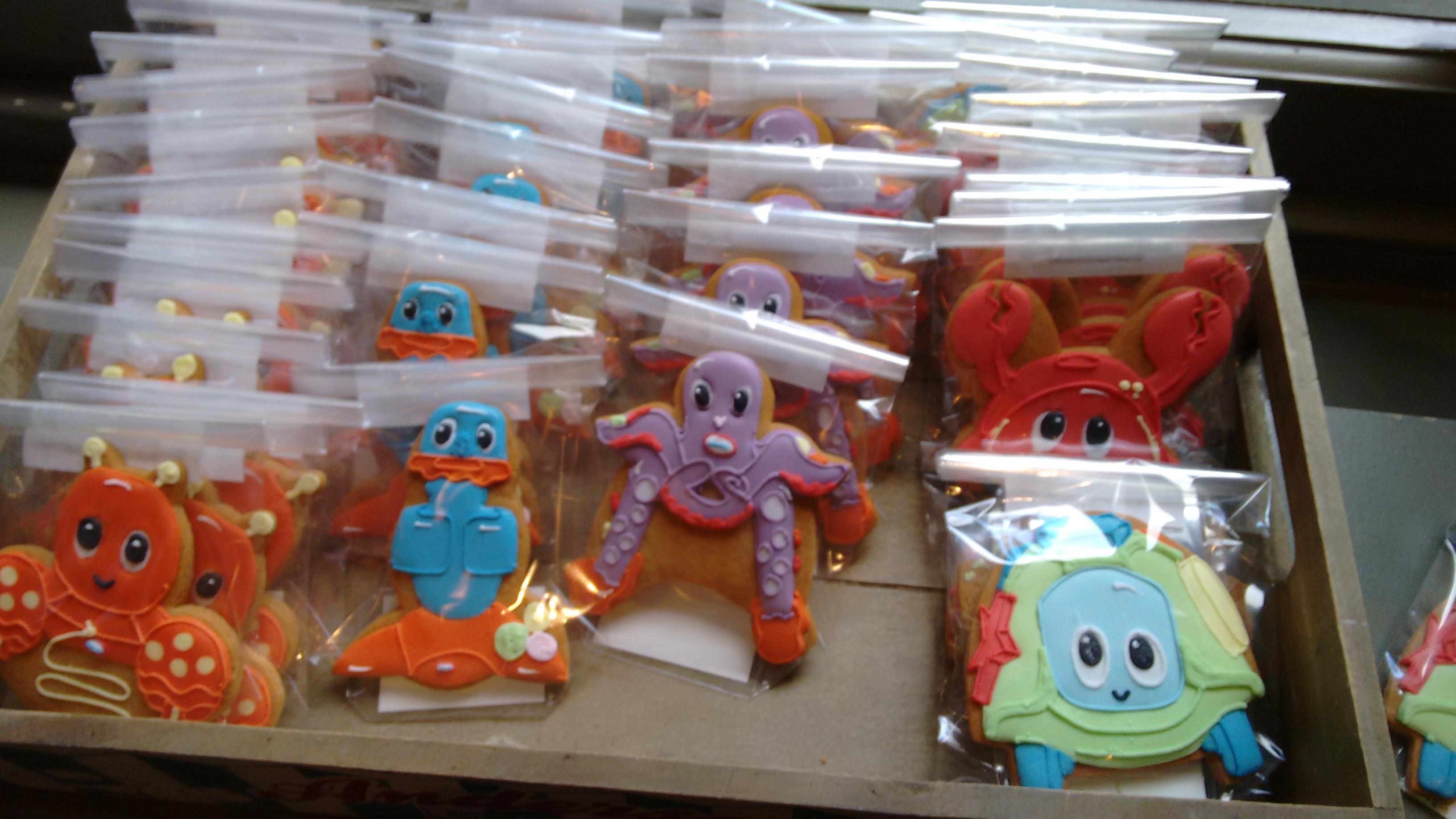 Biscuiteers iced biscuits in Little Tikes Lil' Ocean Explorers range!