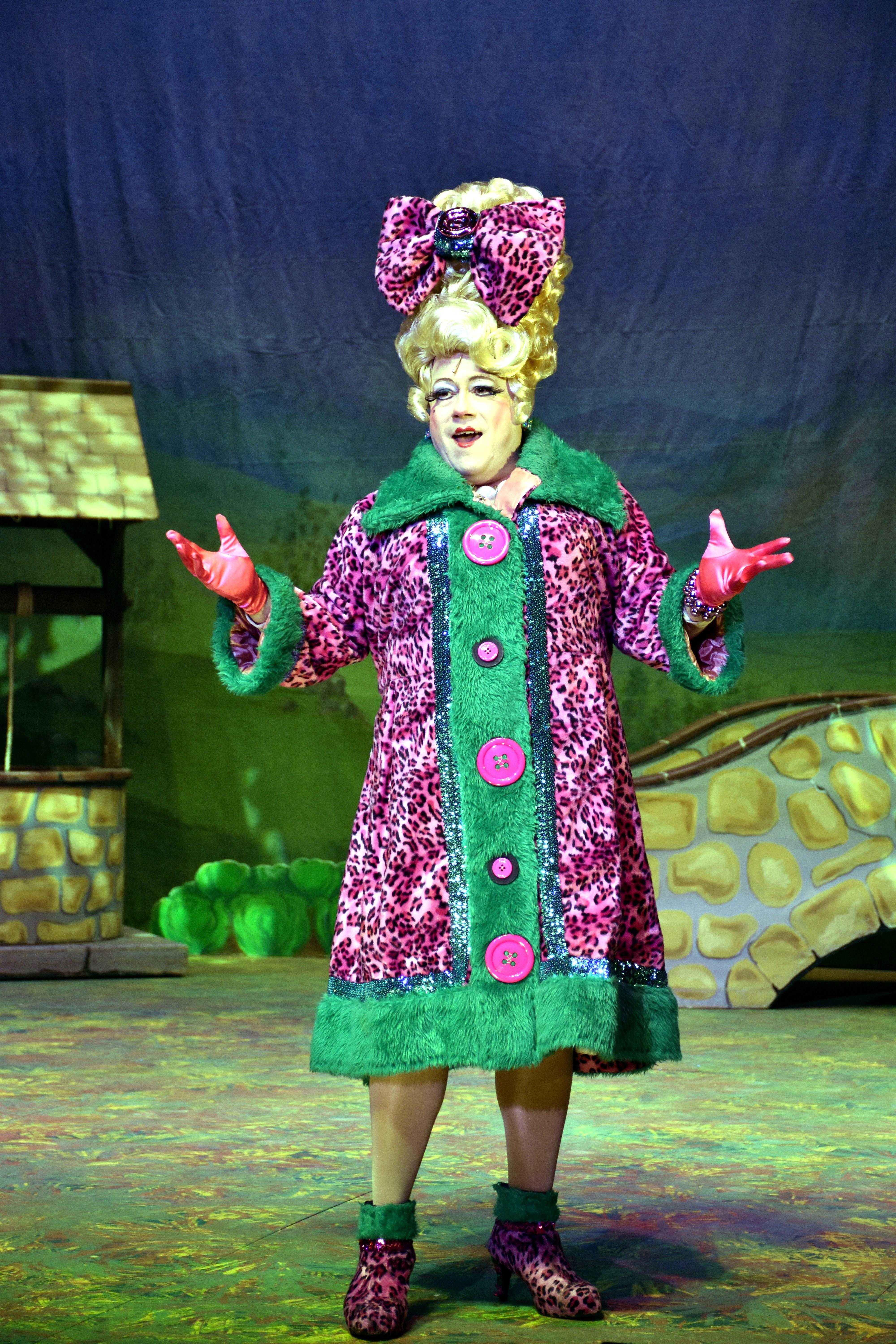 Pantomime Jack and the Beanstalk, Christmas 2015. Anvil Theatre, Basingstoke. Mark Little (Neighbours) Mark Rhodes (Sam and Mark's Big Friday Wind-Up) Melanie Walters (Gavin and Stacey) Chris Pizzey (The Basil Brush Show) plus Philip Meeks as Dame Trott and Michael Chance as The King When Dame Trott sends her son Jack to market, little do they know that swapping Daisy the cow for a handful of beans will result in an overgrown beanstalk, a hungry giant, wicked henchman and fabulous golden treasure. Photograph By: Sean Dillow. www.TheBigCheesePhotography.co.uk
