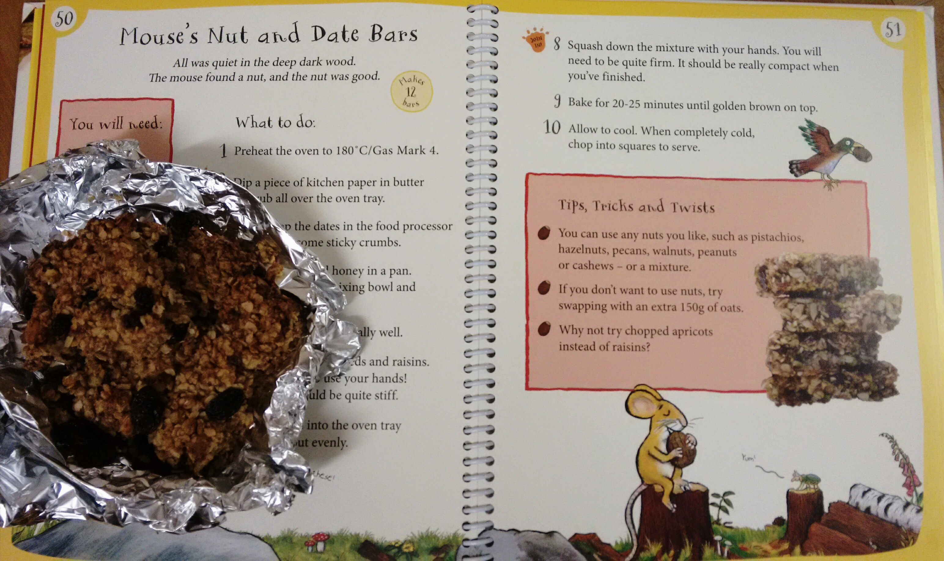 Gruffalo Mouse's Nut and Date bars